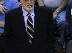 Phil Jackson fired by Knicks